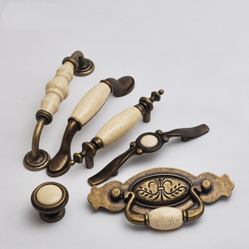 Мебельные ручки с керамикой – стиль и эргономика
